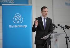 Szijjártó Péter külügyminiszter és Dr. Heinrich Hiesinger, a thyssenkrupp vezérigazgatója megadták a startjelet az új autóalkatrész üzem építéséhez Jászfényszarun