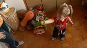 Egy másik kisbaba is kiesett az inkubátorból