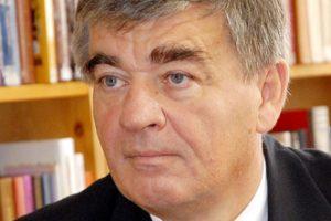 Nem mond le a HospInvesttel szerződő közgyűlési elnök