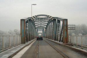 Ma megindul a vasúti és a közúti forgalom a kiskörei Tisza-hídon