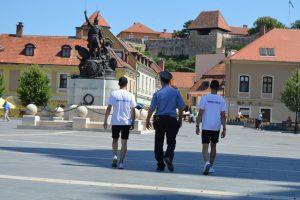 Diákok segítik a rendőröket