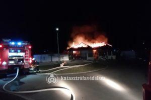 Teljesen leégett egy ház teteje Ostoroson